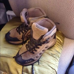 Women's Cabela's Hiking Boots Thinsulate size 7D